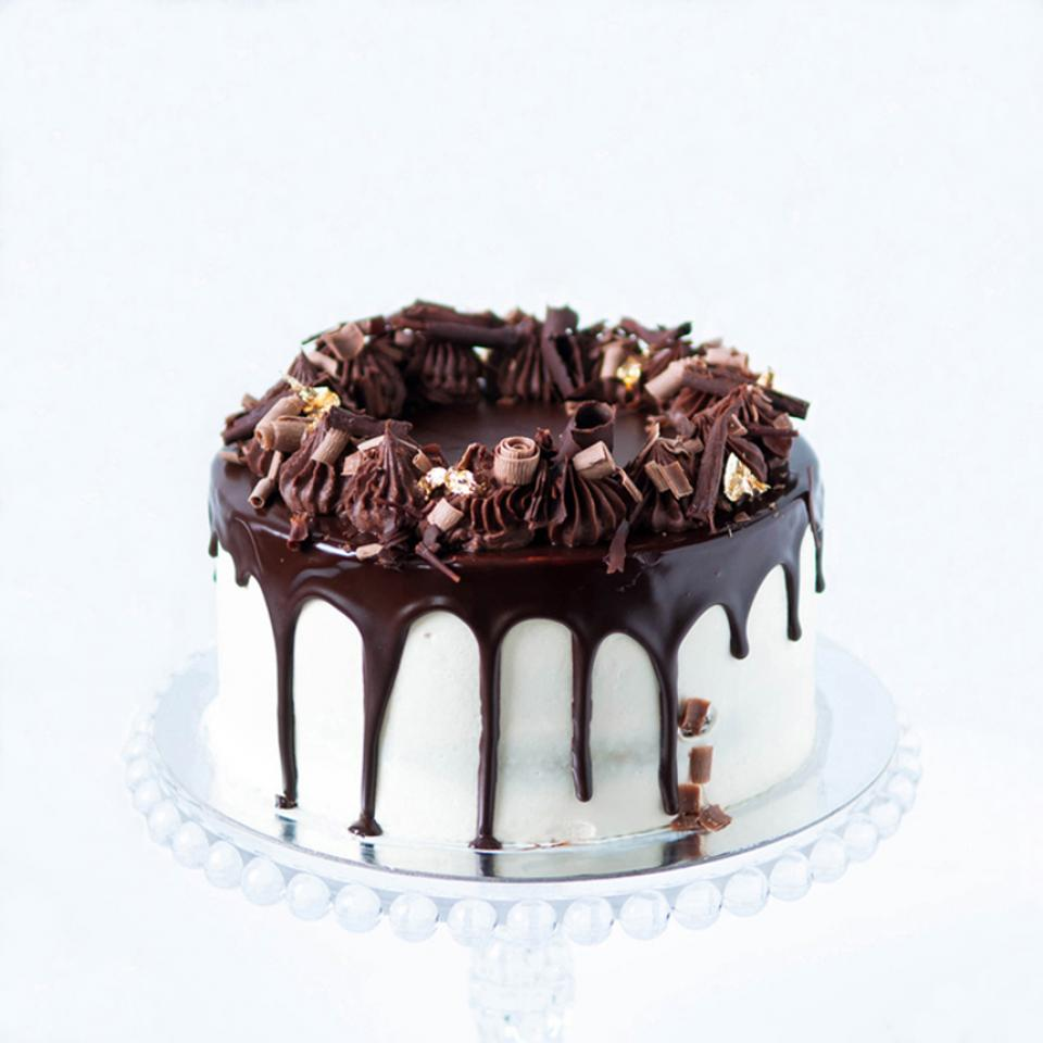 """8"""" Chocolate Guinness and Irish Baileys cream cake buy online London delivery"""