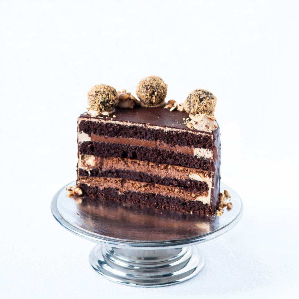 "8"" chocolate hazelnut crunch cake order online £70.00 delivery in London"