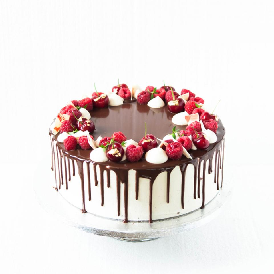 "8"" Flourless chocolate raspberry cake £65.00 buy online London"
