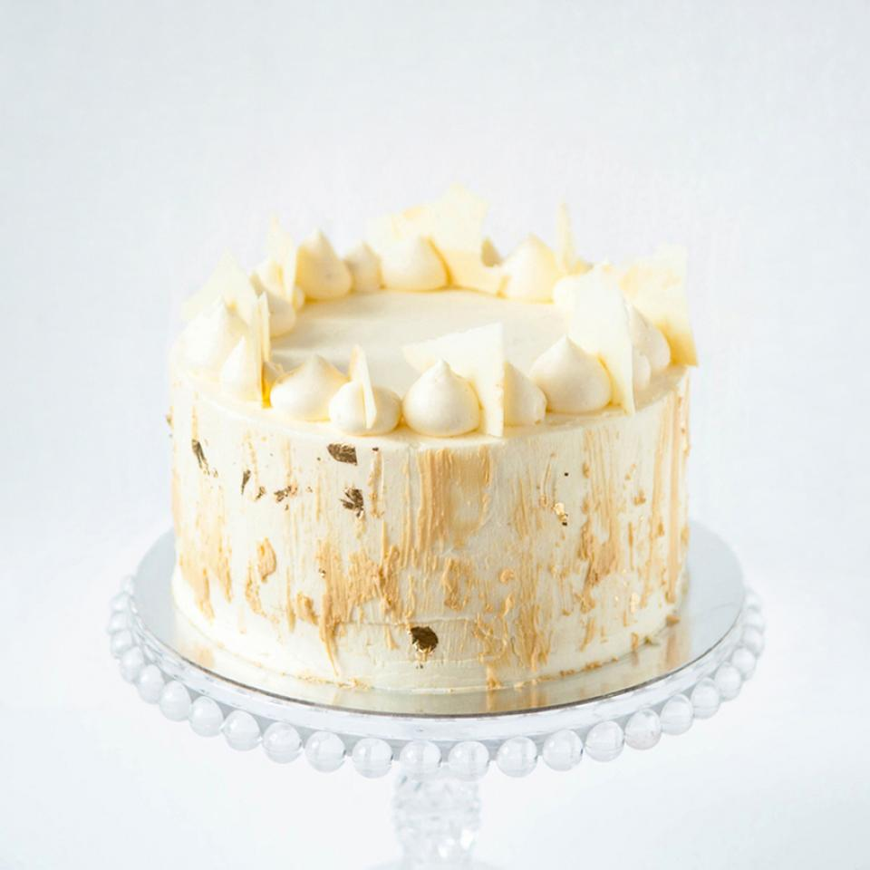 """Birthday 6"""" white chocolate cake buy online London home delivery"""