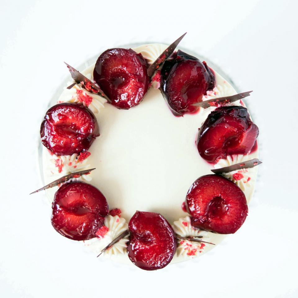 Plum amaretto almond cake buy online deliver to Marylebone, Camden