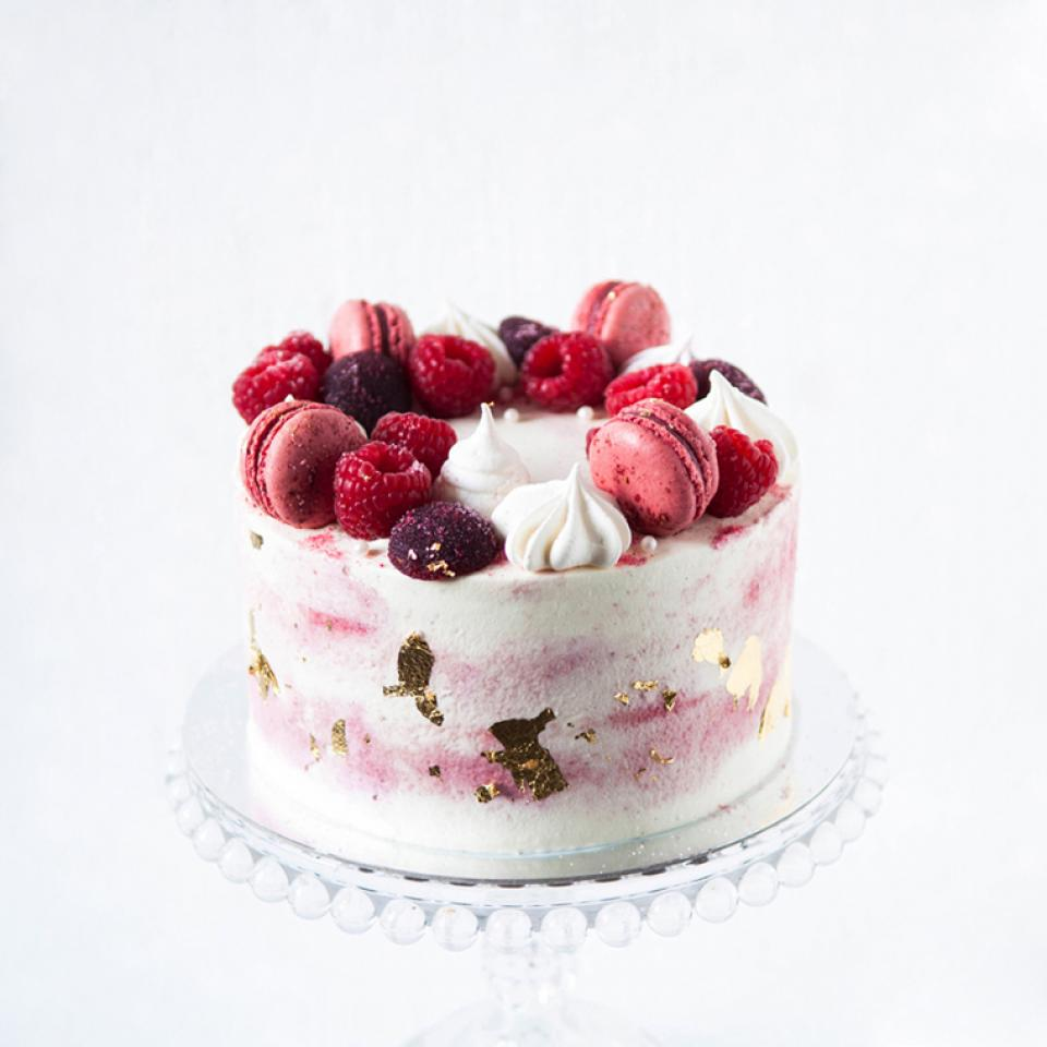 """Birthday 6"""" Red velvet cake £45.00 buy online delivered London"""