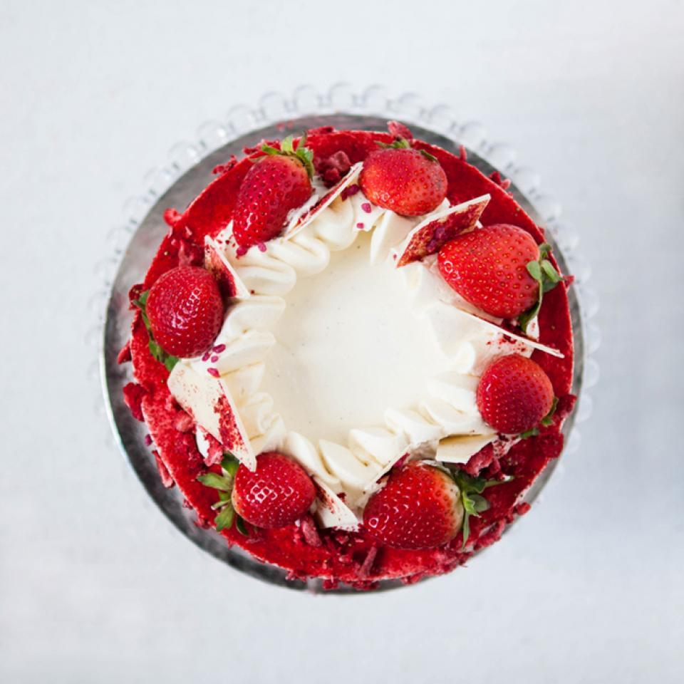 Birthday strawberry cloud cake buy online delivered in London