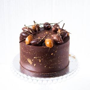 Chocolate salted caramel cake buy online delivered in London